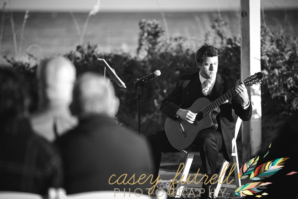 Ceremony music, acoustic guitar player